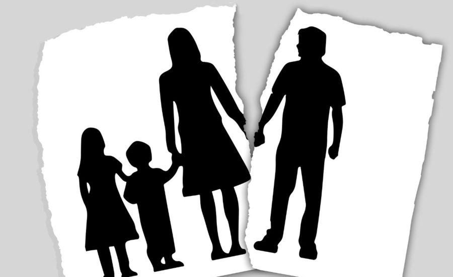 umawiać się z kimś, kto się rozwodzi